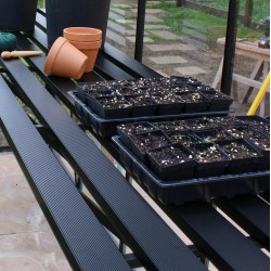 Table en aluminium 420x63cm noire pour serres BLOCKLEY et BOURTON Eden Greenhouses